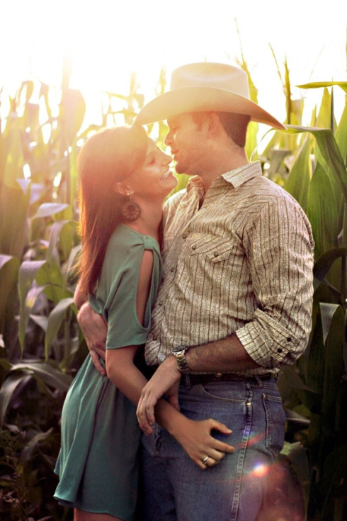 country engagement session photo corn field
