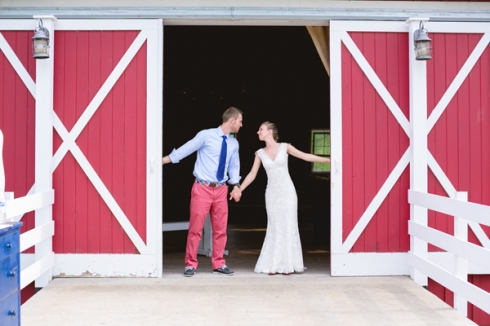 red barn mn wedding